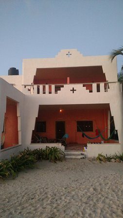 Mayan Beach Garden: we rented two rooms on the second floor, one room for kids and one for us (close by but separate