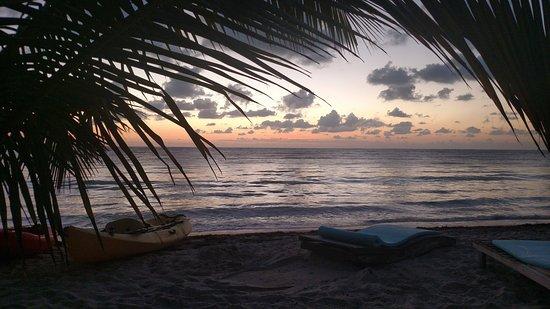 Mayan Beach Garden: one more pic of sunrise
