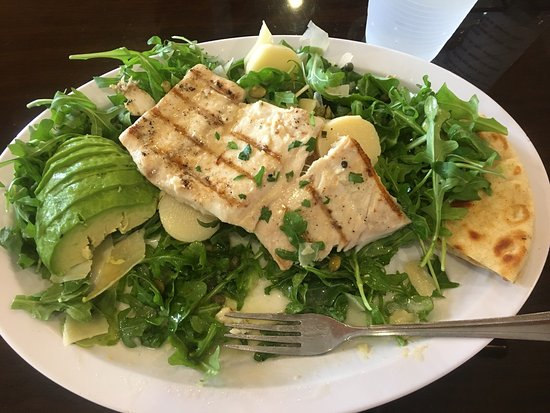 Avocado Arugula Salad W Grilled Mahi Mahi At Surf City Fish Grill