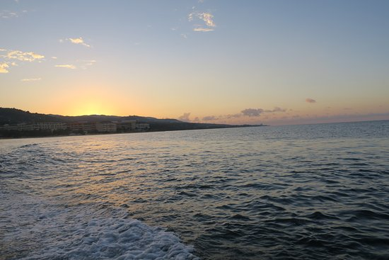 Dressel Divers: Boat ride to the Luminous Lagoon. Sunset on the Jamaican coast.