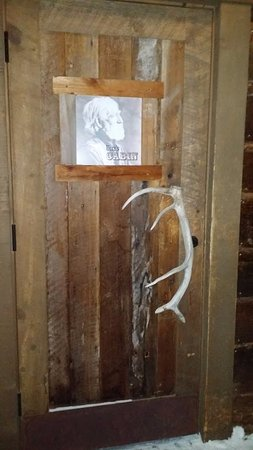 The Ice Bar at Uley's Cabin: Front door
