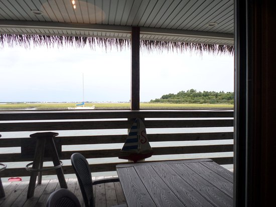 Morehead City, NC: Dinning area view of Harbor Channel & Sugarloaf Island