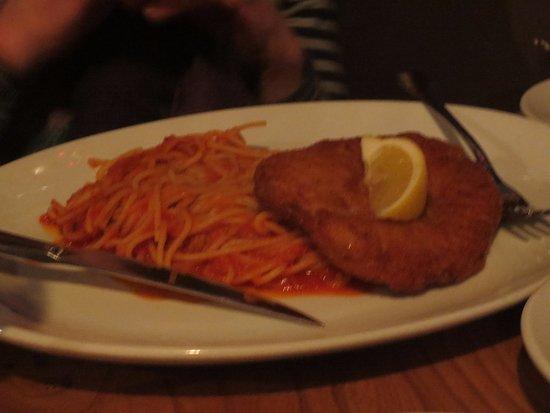 Kirkintilloch, UK: Chicken parm and pasta