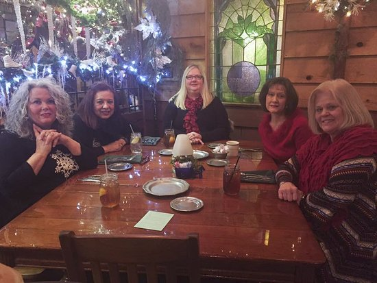 Grand Rivers, KY: The Knit Wits at Patti's