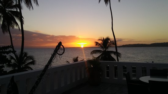 Bacolet Bay, Tobago: Sunset from the upper patio...
