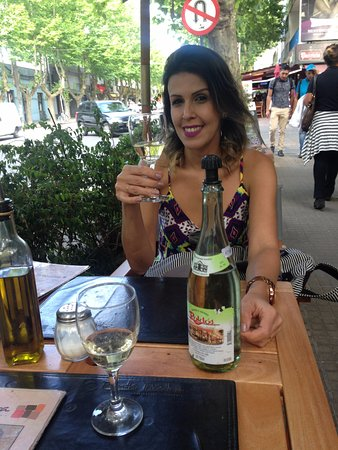 Médio & médio tipica bebida Uruguaia, recomendo.
