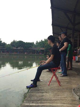 Mang Ajo Restoran & Pemancingan