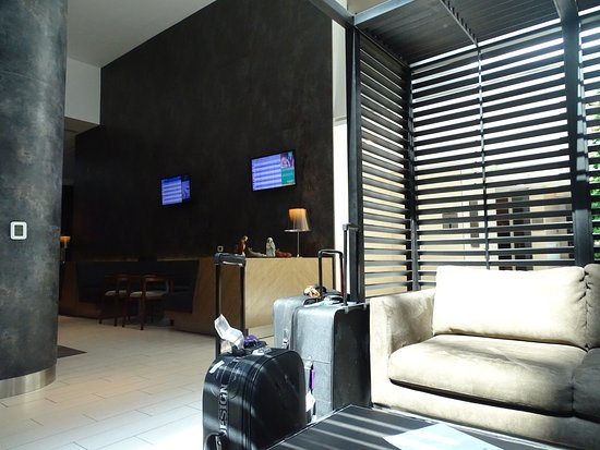Holiday Inn Santiago Airport Photo