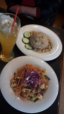 Pato Thai Cuisine: rice and noodle