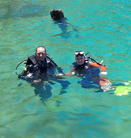 Pleasure Divers Magnetic Island: Dad and Ella qualified divers