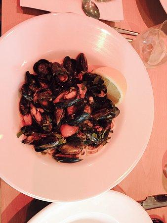 Headingley, UK: Fresh mussels with cherry tomatoes, chilli, white wine, fresh lemon and home made spaghetti