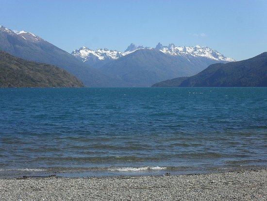 El hermoso Lago Puelo