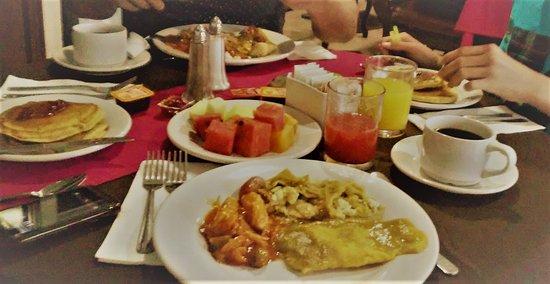 Hotel Casino Plaza: Desayuno buffet