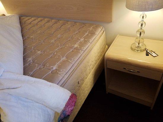 Downtown Xenion Motel : Clean