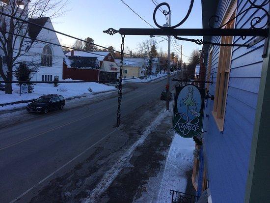 Bethel Village Motel : The deck and the neighborhood