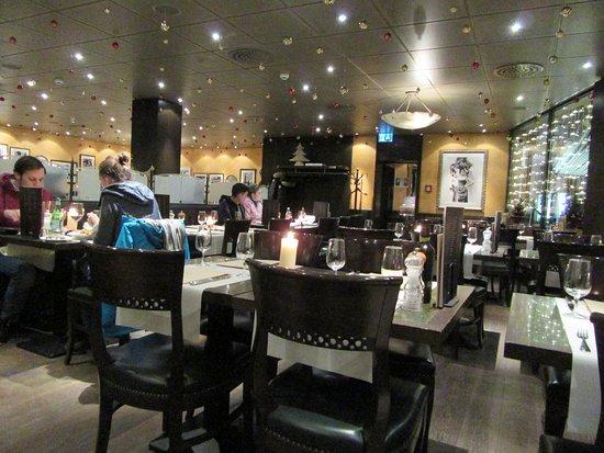 pizzeria ristorante molino seilerhaus zermatt the main dining room set up at christmas time - Dining Room Set Up