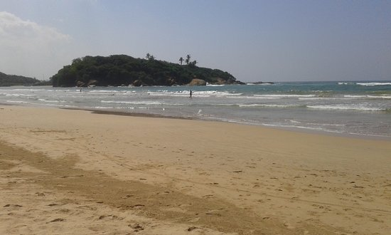 Kaluwamodara, Sri Lanka: This is long and golden  beautiful beach area