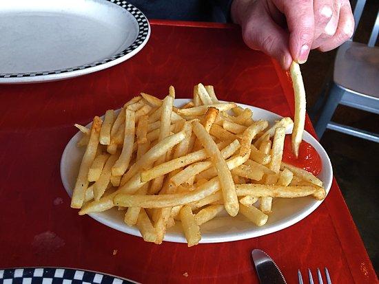 Ferndale, MI: Fries are good!