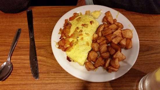 Lost Hills, Californien: Omlet and hash browns.