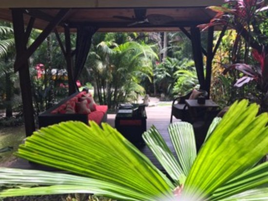 ikatan Balinese Day Spa: ikatan gardens Santai relaxation area for clients