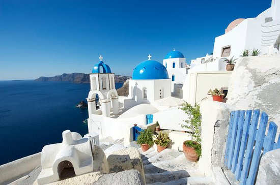 Athens to Santorini 3-Night Tour with Round-Trip Fare