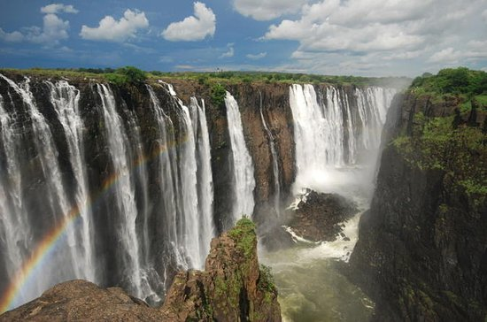 3-Day Victoria Falls Tour with ...