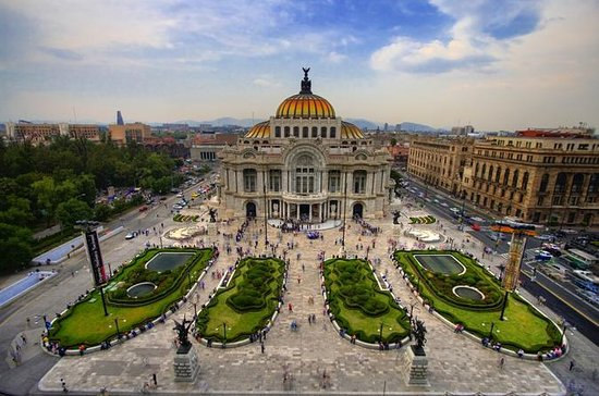 Private Tour: Mexico City By Air in...