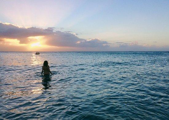 Daaibooi Beach: Sunset at Daaibooi