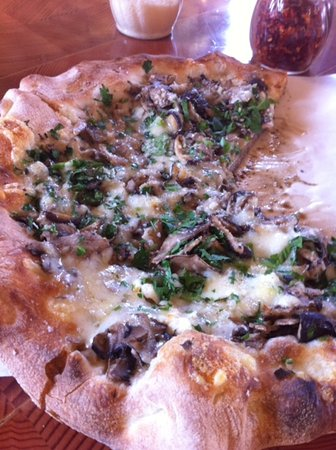 Photo of Italian Restaurant Pitfire Artisan Pizza at 12924 W Washington Blvd, Los Angeles, CA 90066, United States