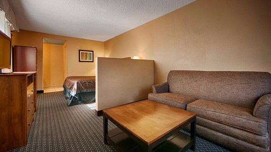 Santee, Kalifornia: Feel at home in one of our deluxe suites!