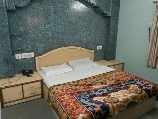 Hotel Priya: Super Deluxe Ac small