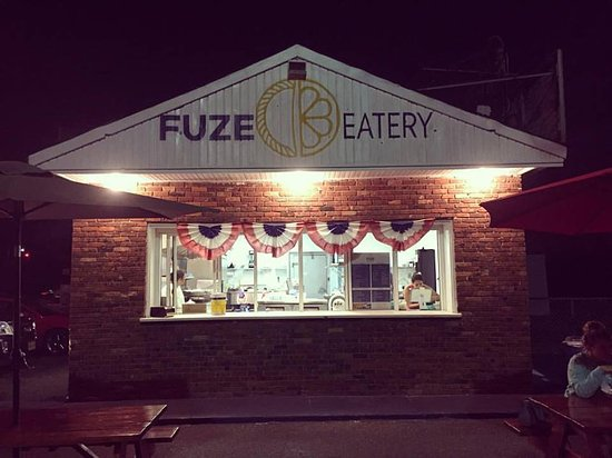 Fuze Eatery right on the beach!