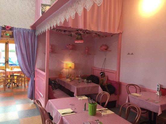 Chambray-Les-Tours, France: Lieu très atypique mais très convivial