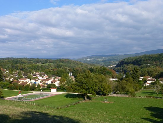 Neuville-sur-Ain, France : Views from hills behind hotel
