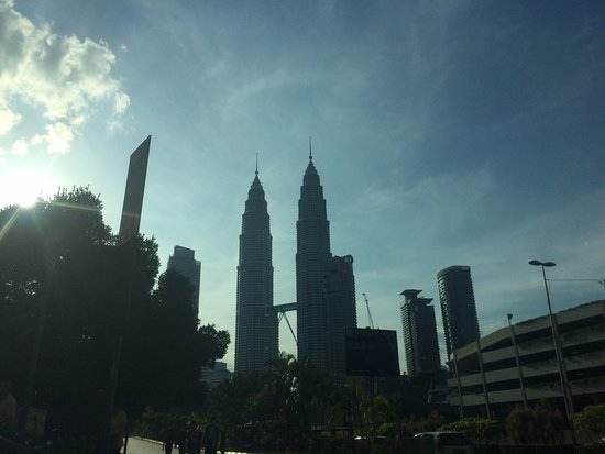 Petronas Twin Towers: Going to Tower