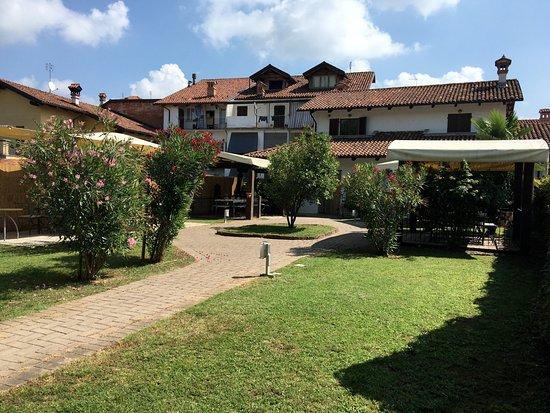 Narzole, Italy: dehor