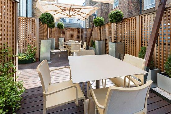 Hotel Indigo London-Paddington: Our exclusive patio area