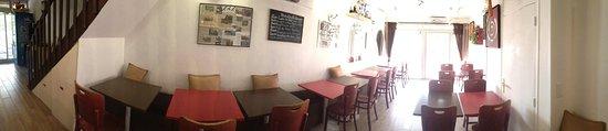 Biot, France: Restaurant traversant