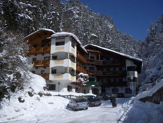 Hotel Gasthof Felsenkeller Photo