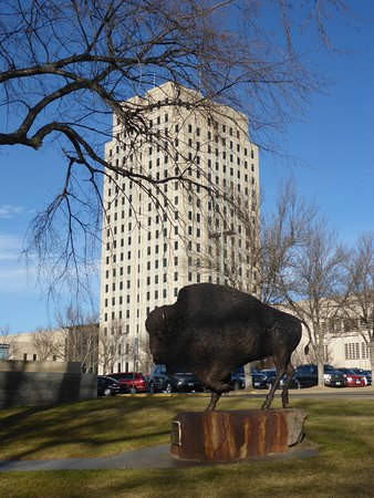 State Capitol Building: Bison & Building