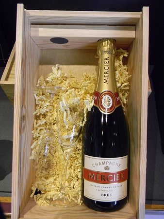 Paris Champagne Tour: The one to carry!