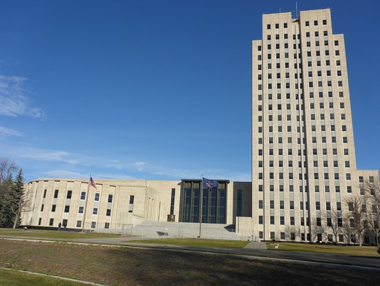 """State Capitol Building: Looks Modern for a 30""""s Capitol Building"""