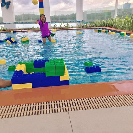 Hotel pool at 5th floor picture of legoland malaysia resort johor bahru tripadvisor for Hotels near legoland with swimming pool