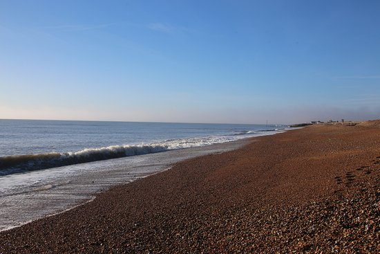 Pevensey, UK: Empty beach