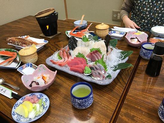 Yasumiso : ここにさらにキンメの煮付けも!