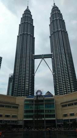 Petronas Twin Towers: towers