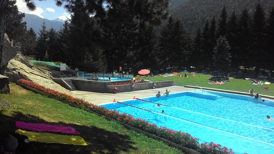 """Thermalquellen Brigerbad: """"cold swimming pool and arrival of the slipway"""