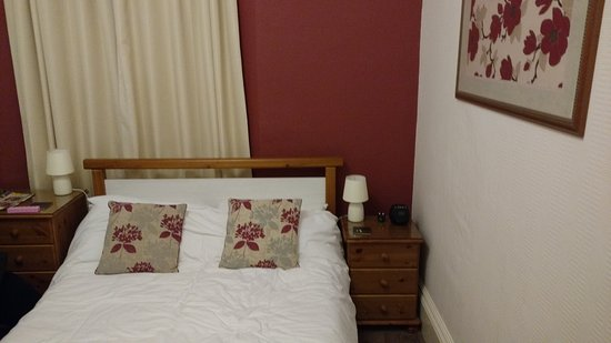 Babbacombe Guest House: very nice room