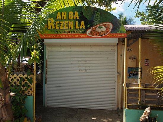 Vieux-Habitants, กวาเดอลูป: Entrée du restaurant AN BA REZEN LA