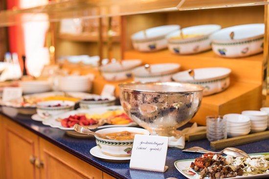 Romantik Hotel Bülow Residenz: Der beste Start in den Tag: unser Frühstücksbuffet ist garantiert nicht langweilig.